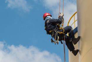 Новые правила по работам на высоте и в замкнутых пространствах. Как подготовить персонал и организовать безопасную работу
