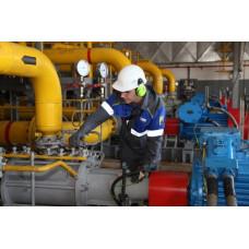 Персонал, обслуживающий трубопроводы пара и горячей воды